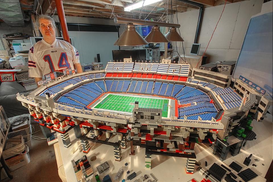 Bills Fan Crazy Person Builds Replica Of Ralph Wilson